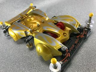 黄金闘衣ブレーダー